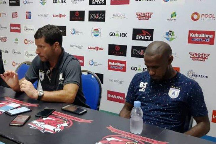 PSSI skors Boaz Solossa dua laga Liga 1