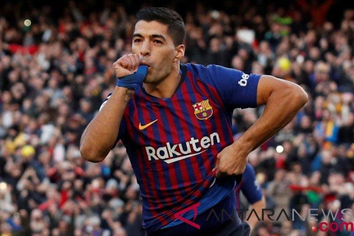 Suarez trigol, Barcelona menang telak 5-1 di El Clasico