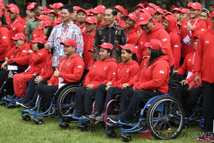 President Jokowi sees off contingent to Asian Para Games 2018