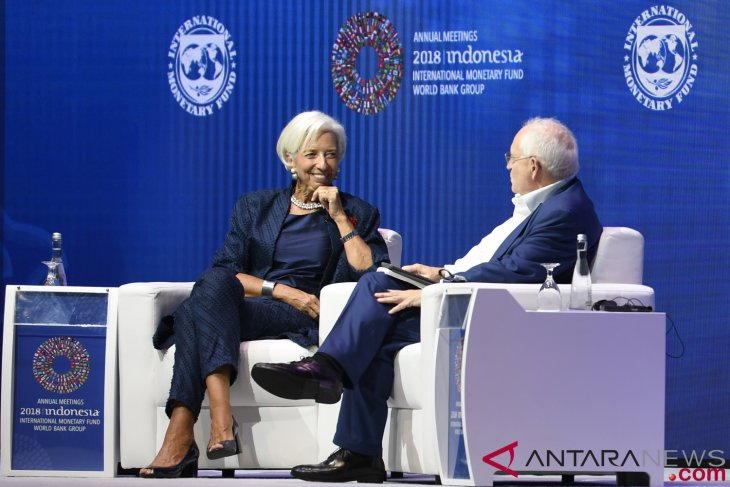 IMF-WB - Global economy is not strong enough: Lagarde