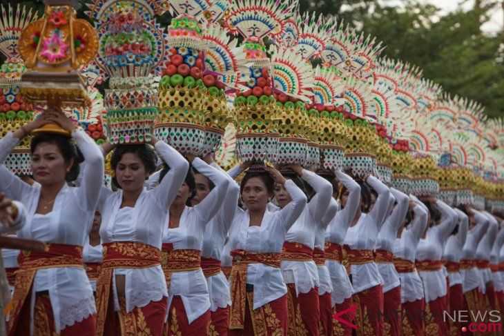 News features - From pecaruan to ngaben, rites of passage of Balinese