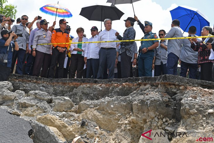 Indonesia careful about accepting loan offer for Palu, Lombok reconstruction