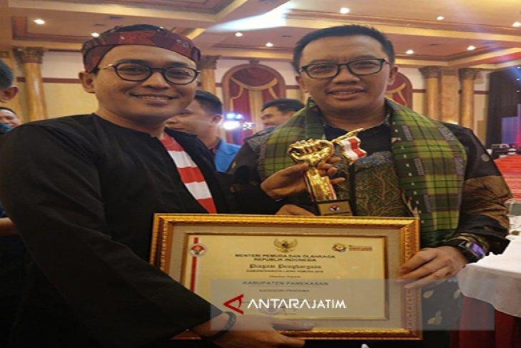 Pamekasan Terima Anugerah Kabupaten Layak Pemuda 2018
