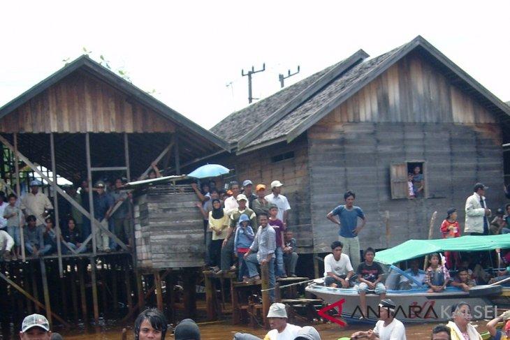 Ratusan rumah di bantaran Sungai Banjarmasin ditata