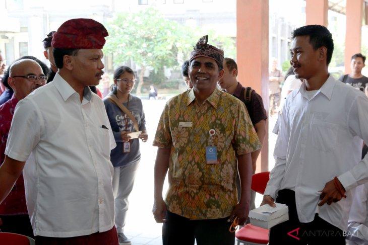 Sekda Bali tinjau pelaksanaan tes CPNS