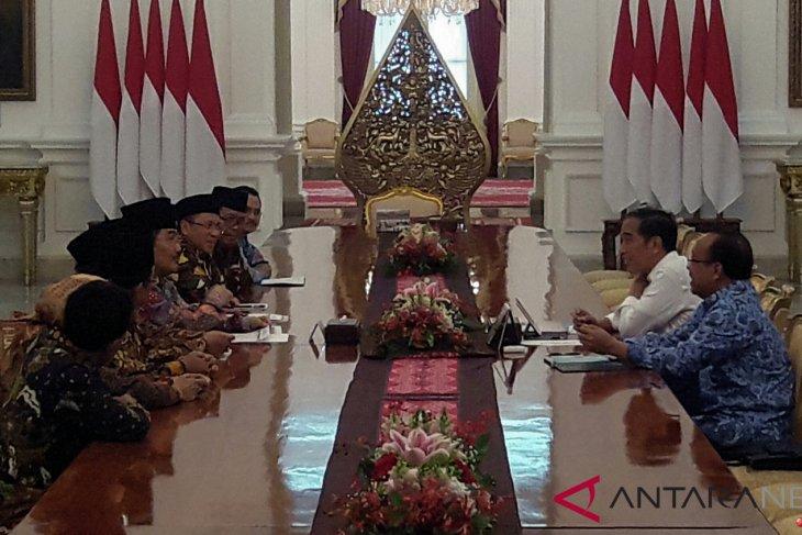 Jokowi receives ICMI administrators