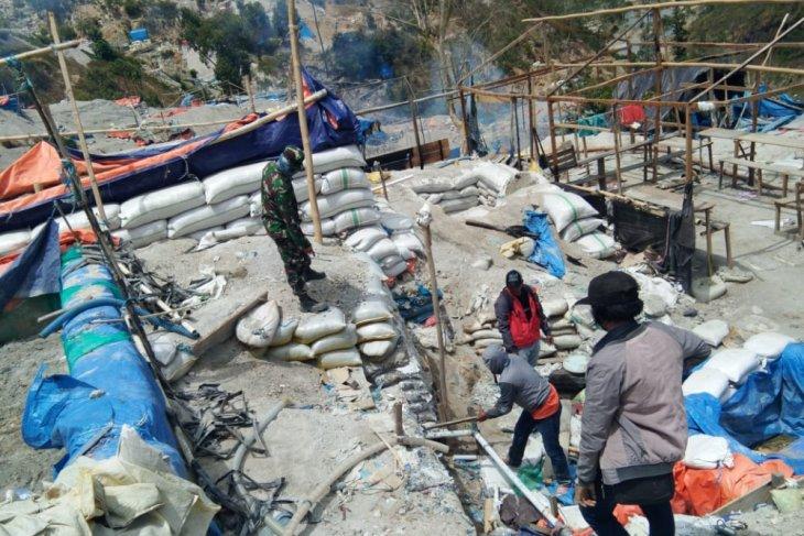 Gubernur PETI gunung Botak tetap tutup
