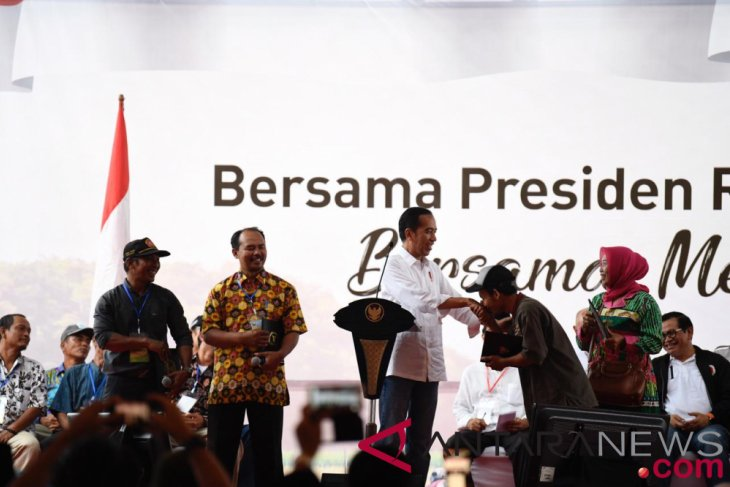 Indonesia`s agriculture challenged by lack of irrigation dams: Jokowi