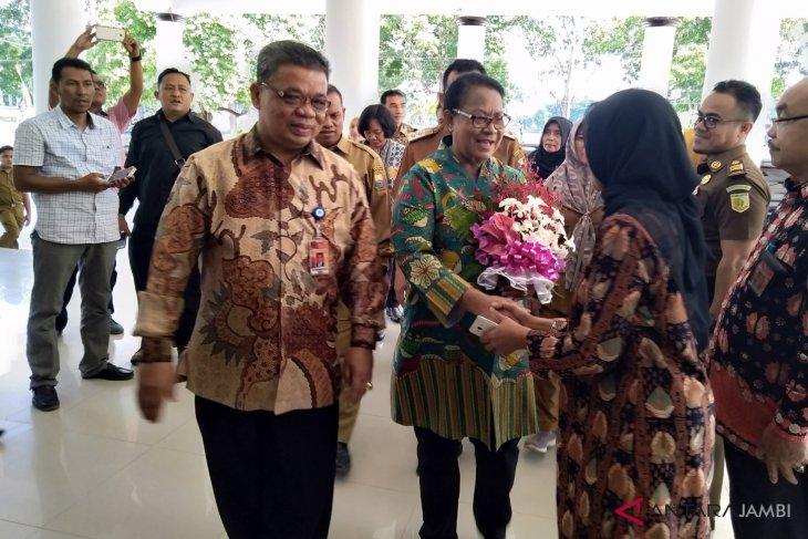 Menteri PPPA ingatkan mahasiswi jangan hamil duluan