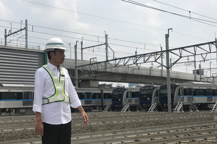 Brave approach needed to build mass transportation: Jokowi