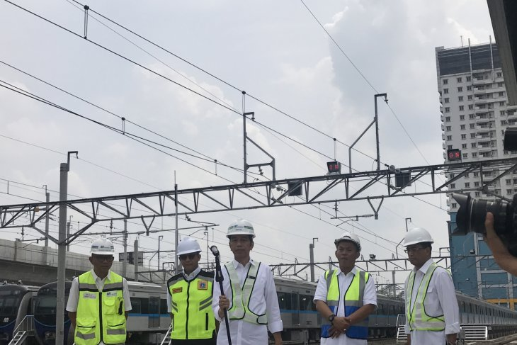 Jakarta`s elevated railsway to be operational in March 2019