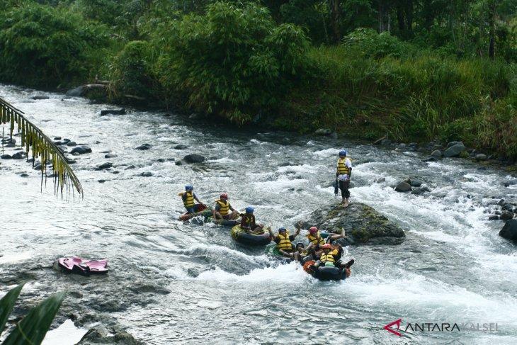 Berwisata Tubing Trip di Desa Alat Hantakan bisa dapat durian gratis