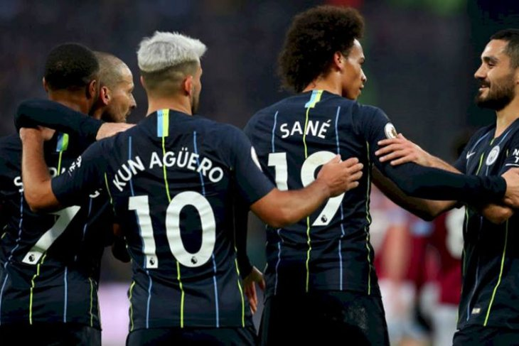 Manchester City pecundangi Huddersfield Town