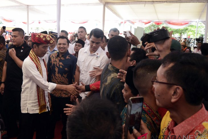 President invites community to oversee utilization of village funds