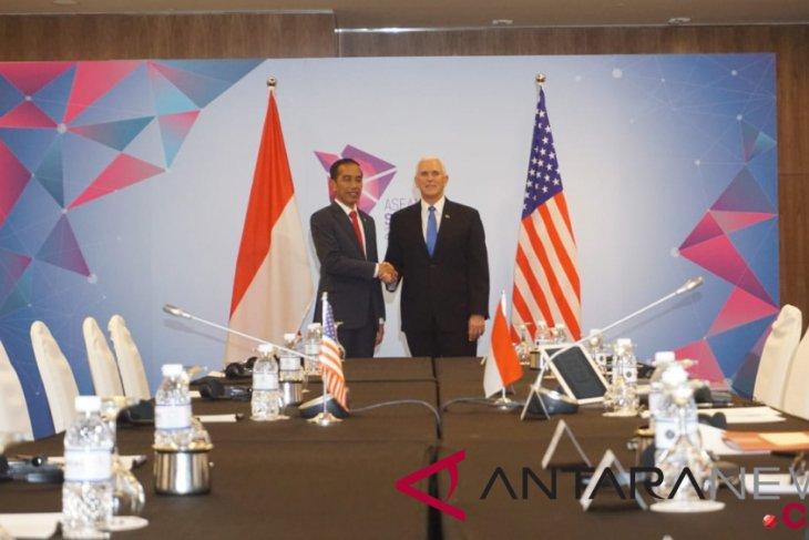 Indonesia, US discuss cooperation in Singapore