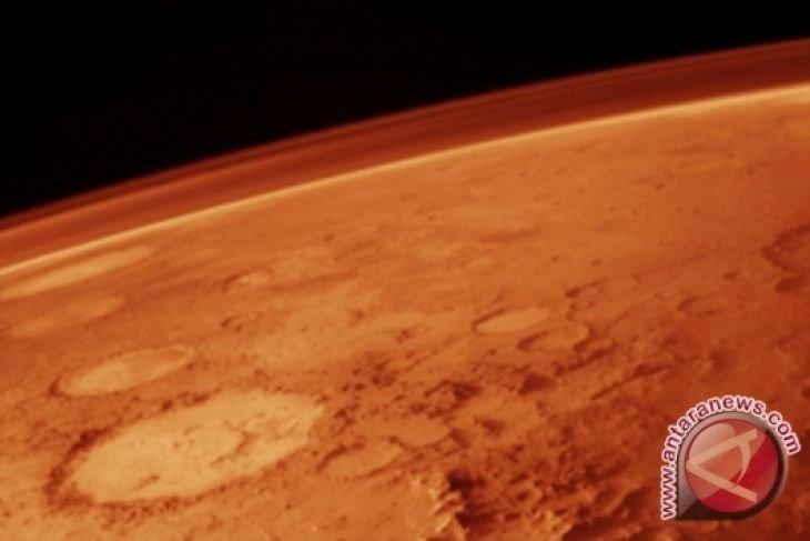 Pesawat antariksa InSight NASA mendarat di Mars