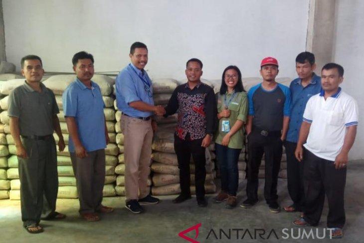 TPL bantu 3,2 ton semen untuk delapan gereja di tiga kabupaten