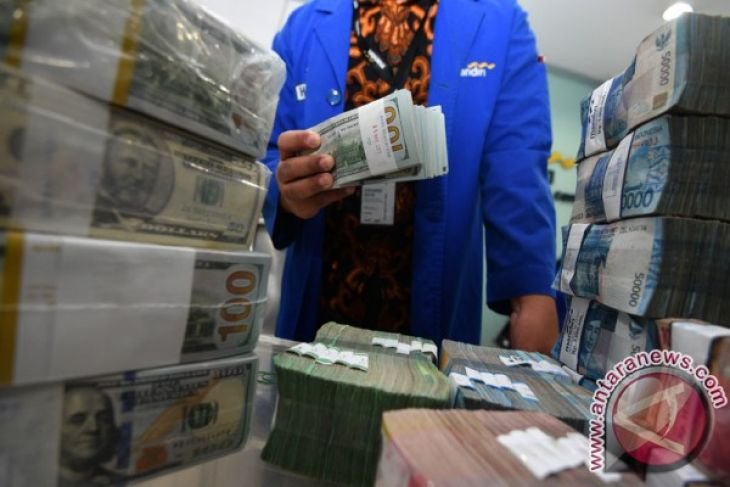 Rupiah closes higher at Rp14,101 per dollar