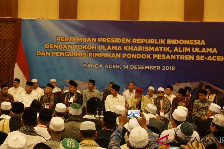 President discusses pesantren bill with Aceh ulemas
