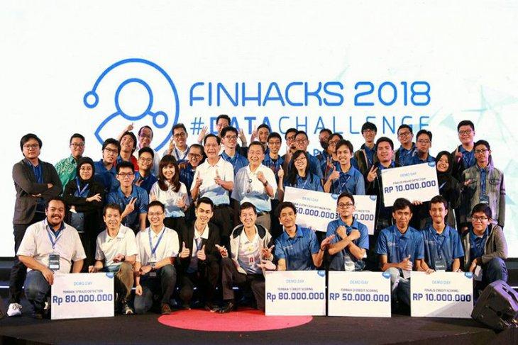 Dua mahasiswa Ilmu Komputer IPB raih juara di Finhacks Data challenge BCA