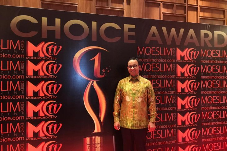 Anies Baswedan receives Muslim Choice Award 2018