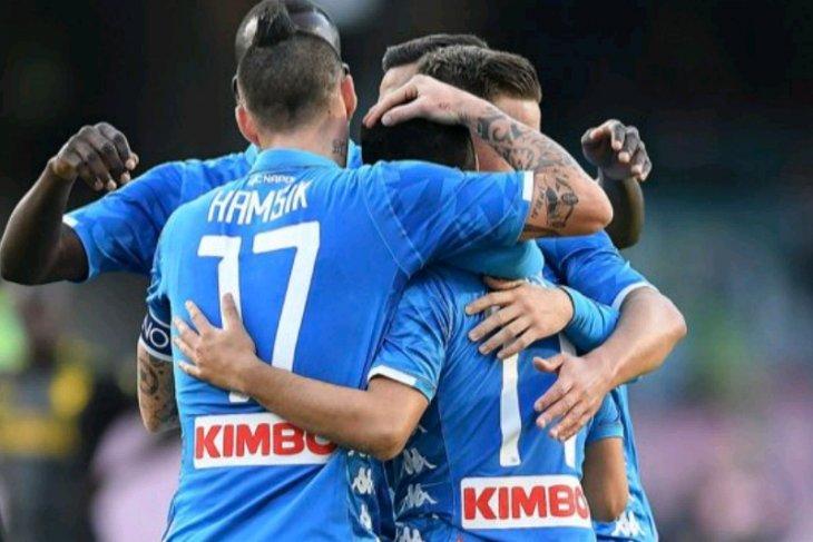 Napoli hancurkan Frosinone 4-0