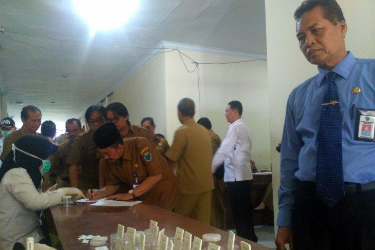 BNNK lakukan tes urine pejabat Pemkab Batanghari