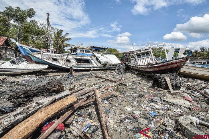 Jamkrindo dan Telkom bantu korban tsunami Selat Sunda