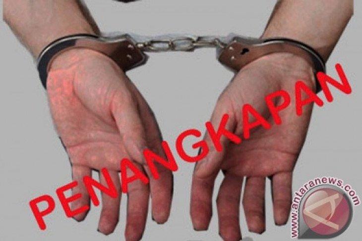 Polisi amankan sales obat herbal di perbatasan Indonesia - Malaysia