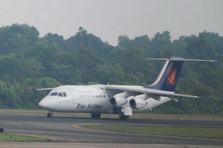 FLASH - Pesawat Pelita Air tergelincir di Bandara Karubaga Papua
