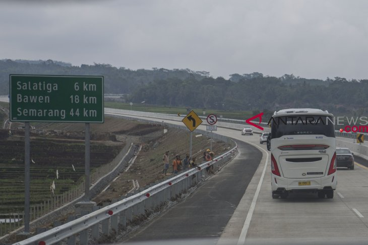 Trans java toll road expected to cut logistic cost