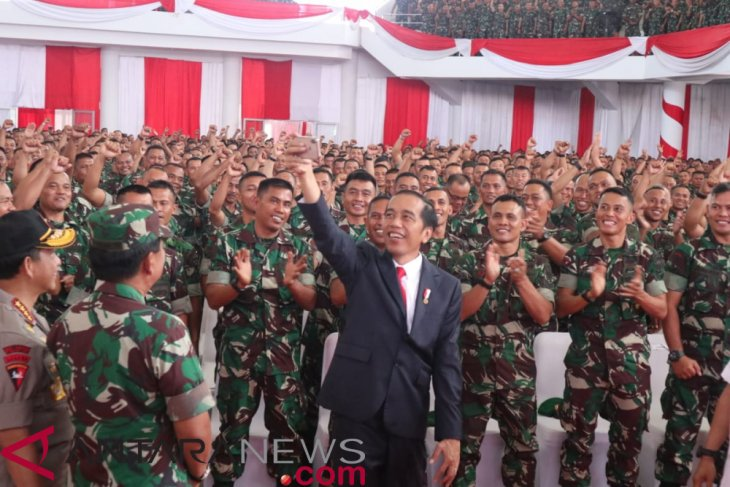 Jokowi asks Babinsa to monitor  use of village funds