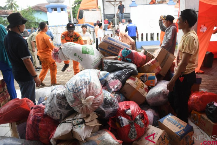 Over 33 thousand tsunami victims remain in Pandeglang temporary shelters