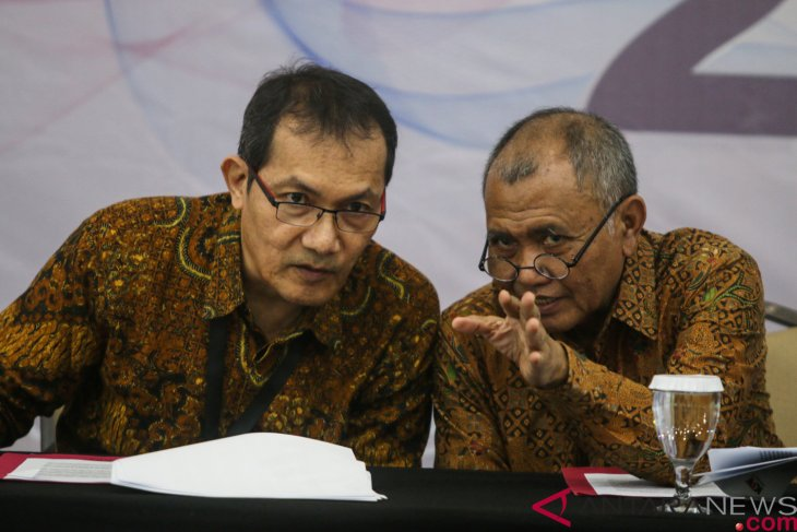 KPK promises to continue investigation of big cases