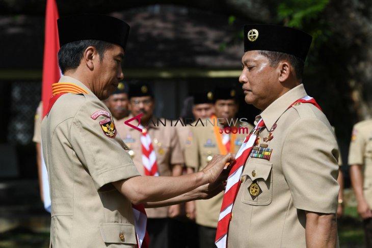 President Jokowi inaugurates new chief, deputies of Indonesian Scout