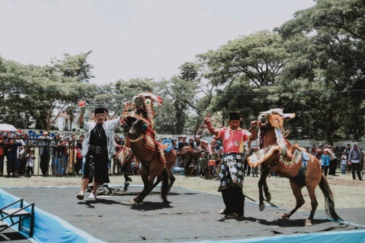 Festival Jharan Kencak Lumajang Diharapkan Jadi Agenda Budaya Nasional