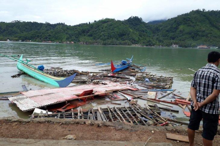 Sunda Strait tsunami flattens two villages in South Lampung
