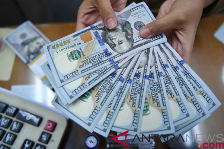 Dolar AS tersandung lagi, di tengah sejumlah data ekonomi terbaru
