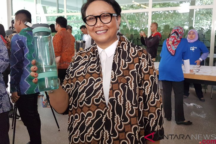 Minister Marsudi calls for reduction of plastic waste