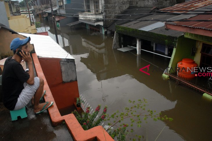 Social Affairs Ministry sends logistics aid to flood-hit South Sulawesi