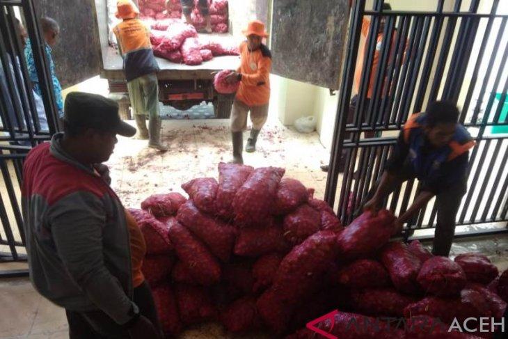 Pemko Banda Aceh terima hibah 8,5 ton bawang merah