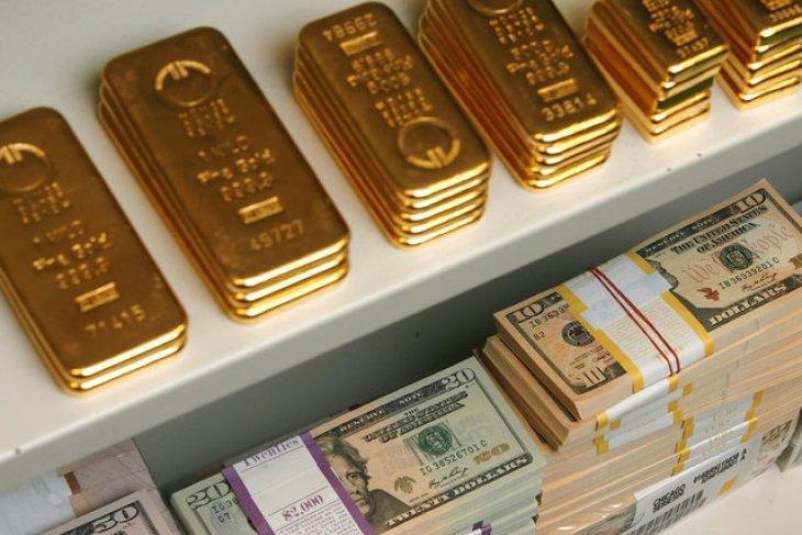 Dolar AS menguat, harga emas kembali melemah