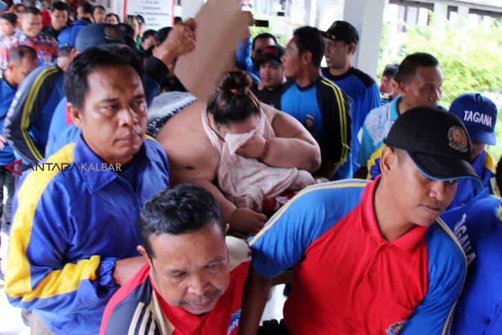 Evakuasi Perempuan 350 Kilogram