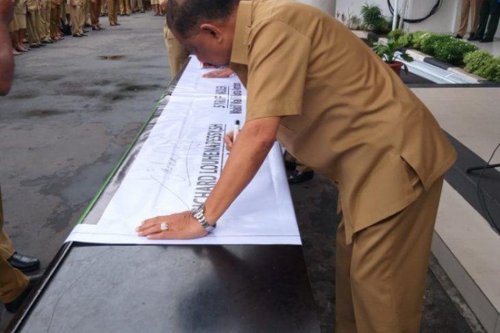 Wali kota  belum ada instruksi libur sekolah di Ambon