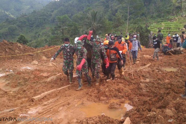 Masa tanggap darurat bencana longsor Cimapag ditutup
