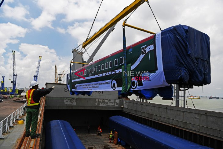PT Inka delivers first batch of train export to Bangladesh