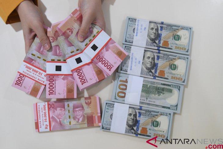 Strengthen Following Weakened Us Dollar