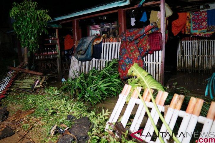 Gorontalo flooding affects nearly five thousand inhabitants