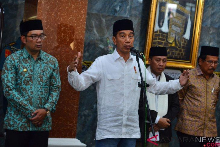 President ensures realization of free power installation in Garut