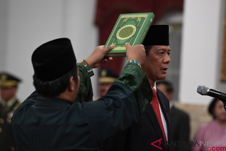 President Jokowi inaugurates Doni Monardo as BNPB chief